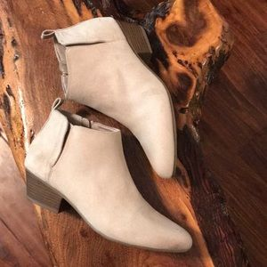 NWOT Old Navy Booties